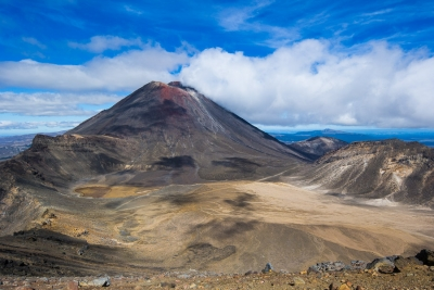 Volcanos and amazing alpine landscape on the Tongariro Crossing